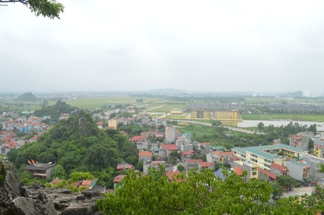 view from the top of chua thay
