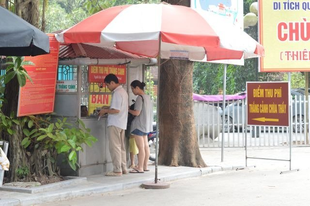 ticket booth in chua thay